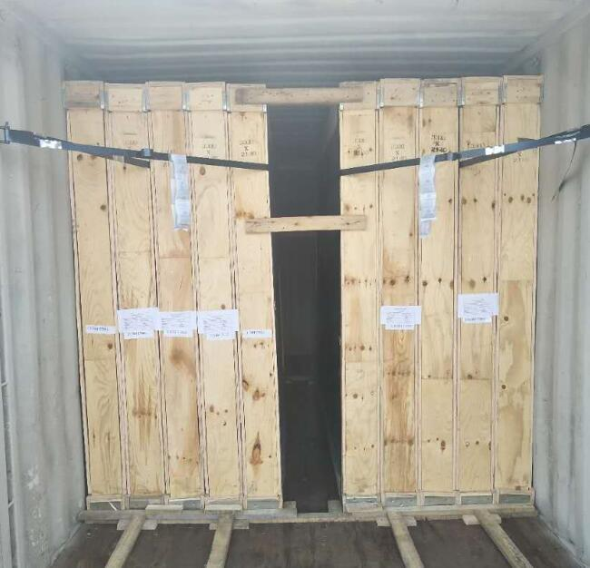Loading the container by Jimy Glass Factory