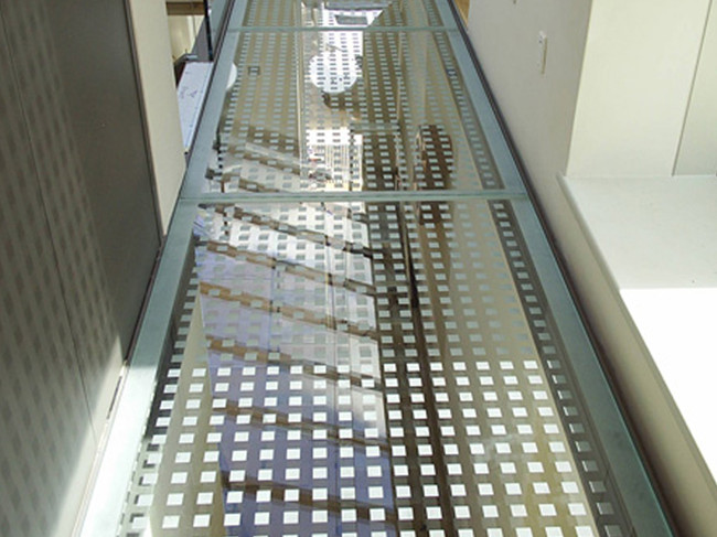 SGP tempered laminated glass floors with ceramic printed square non -slip pattern on surface