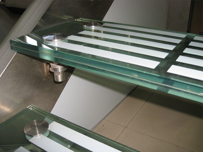 Ceramic frit SGP laminate glass stair tread non slip glazing