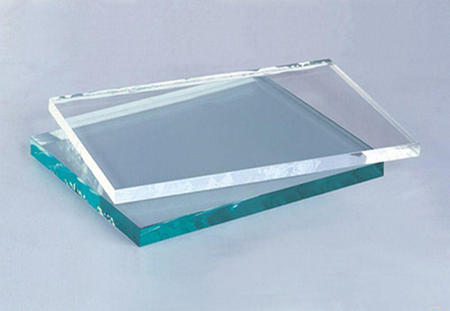 clear float glass and low iron glass