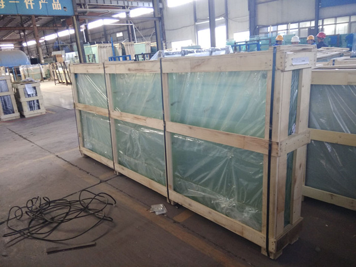 packing laminated glass