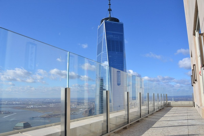 ultra clear low iron tempered laminated glass balustrades suppliers.