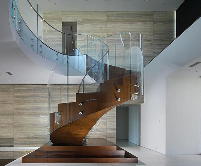 Curved glass handrail tempered
