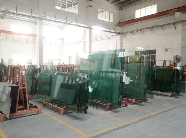 Tempered glass warehouse in Jimy Glass