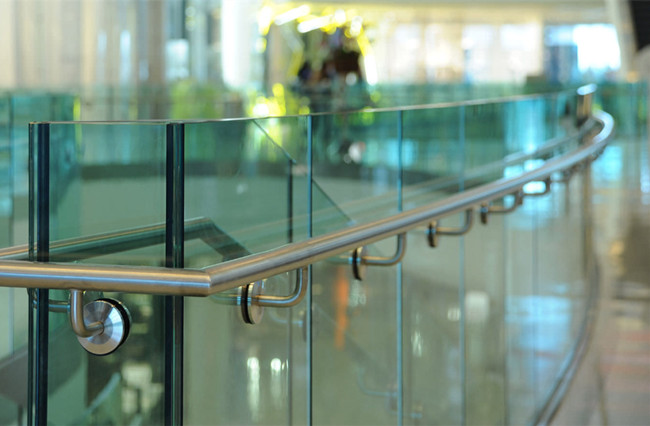 curved tempered laminated glass fence