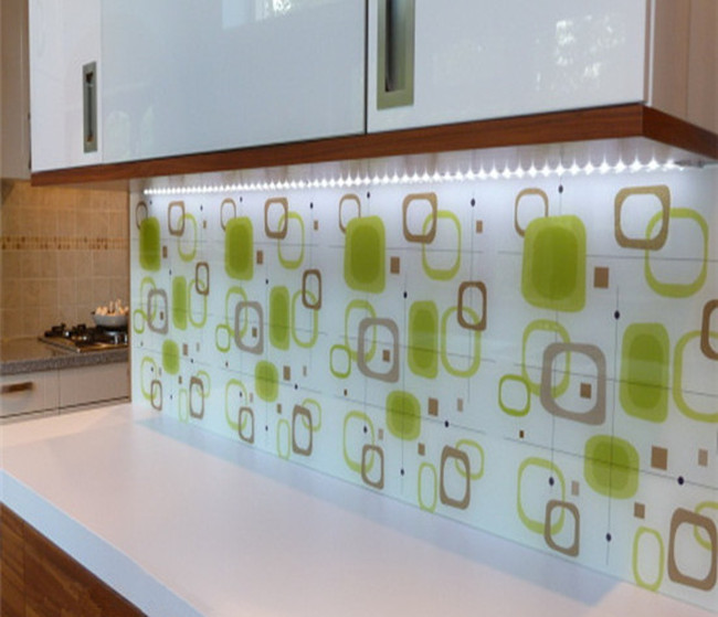 Ceramic frit glass splashbacks