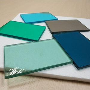 China 10.38mm multicolor PVB film toughened laminated glass supplier