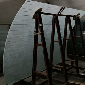 China high quality 5+5mm Low iron Ceramic Pattern Printed curved tempered laminated glass suppliers
