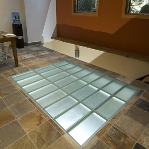 Factory directly competitive price of glass floor, frosted tempered laminated glass floor