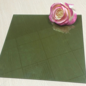 Good quality cheap price 4mm dark green color heat reflective float glass China supplier