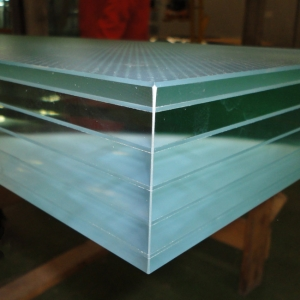 Manufacture multilayer laminated safety glass cut to size