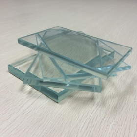 China 12mm low iron glass price,12mm extra clear glass factory,12mm optiwhite float glass supplier factory