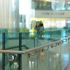 China 17.52mm transparent tempered laminated glass balustrade, 884 safety toughened laminated glass handrails, tempered laminated glass fence railing factory
