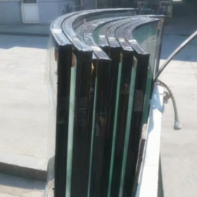 China Custom made heat resistant and sound control curved double glazing insulated glass factory