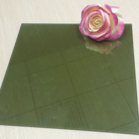 China Good quality cheap price 4mm dark green color heat reflective float glass China supplier factory