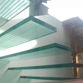 China High end glass floor 8+15+8mm safety slip resistant laminated glass floor manufacturer china factory