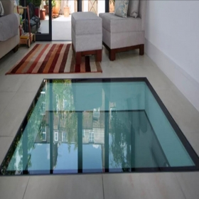 China High safety transparent 15+15+15mm black silk screen printing laminated glass flooring factory