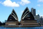 What is the glass used to build the Sydney Opera House?