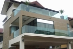 How to choose the balcony guardrail glass?